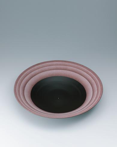 """写真:Bowl with """"daybreak"""" glaze and circle design."""