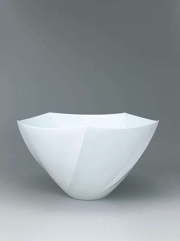 写真:白磁面取花器