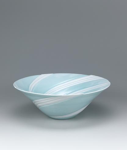 写真:青白磁潮流鉢