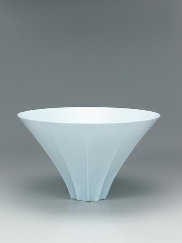 写真:青白磁面取鉢「稜」