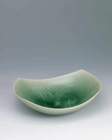 写真:青磁方形麦文鉢