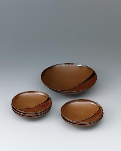 写真:柿釉掛分大鉢と小鉢