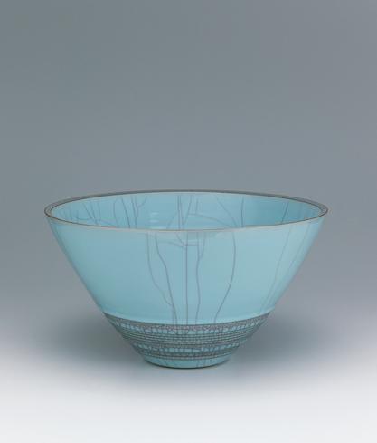 写真:青瓷輪刻彫鉢