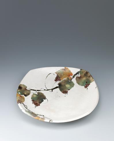 写真:彩泥紙抜葡萄文皿