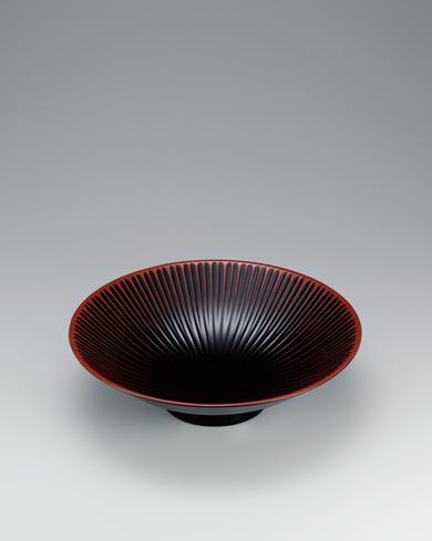 写真:彫漆鉢「華」