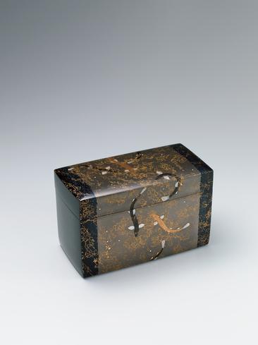 蒔絵箱「水面」