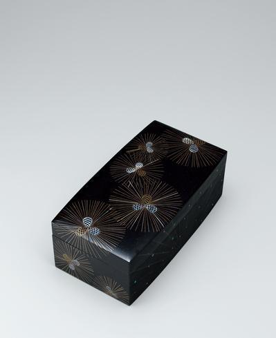 写真:蒔絵螺鈿箱「雨上がり」