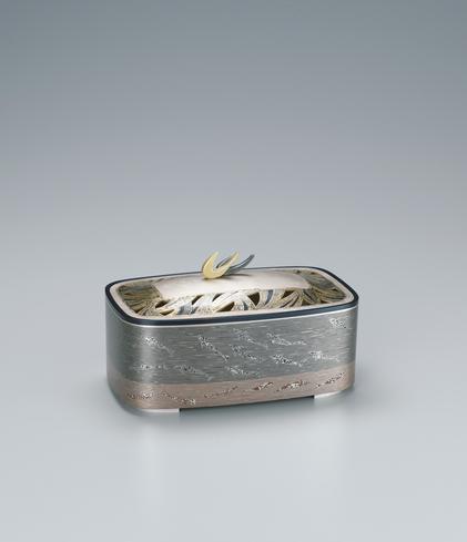 重ね金象嵌香炉「游魚」