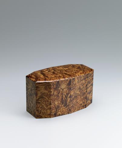 写真:楠造十角箱