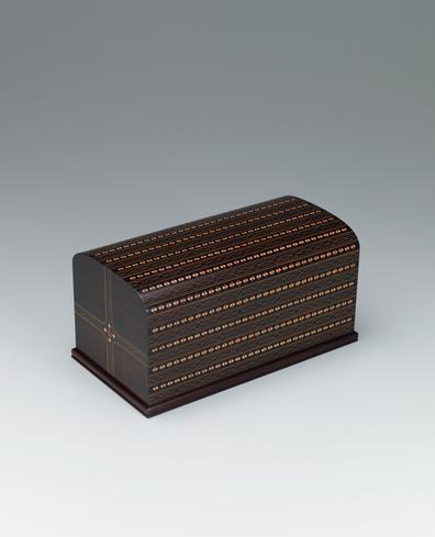 写真:紫檀木象嵌飾箱