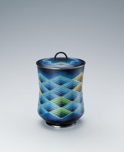 写真:有線七宝飾壺