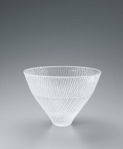 写真:線紋硝子切子鉢