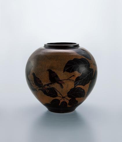 鉄釉小枝の鳥文大壺