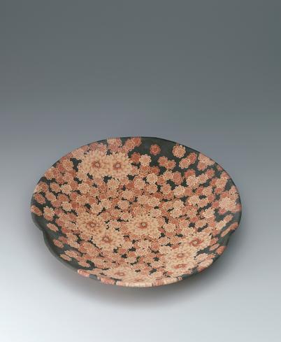 写真:無名異練上花紋皿