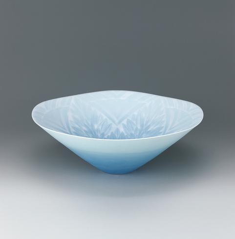 写真:彩刻磁鉢