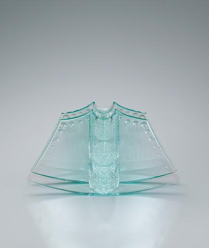 写真:菊繋紋の花器「清影」