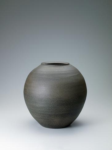 写真:珠洲焼大壺「静」