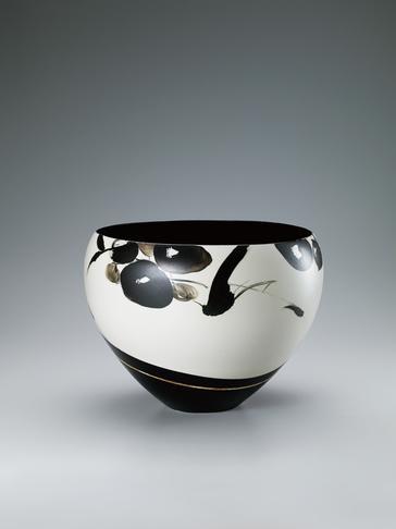 写真:黒描鳥花文鉢