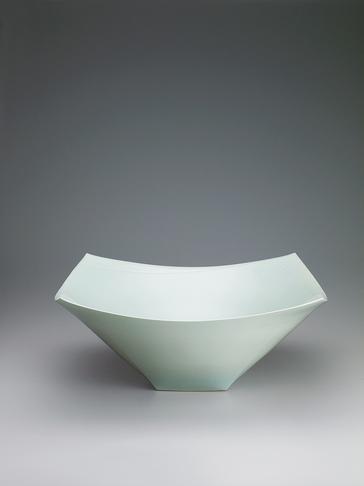 写真:青白磁面取角皿「向」