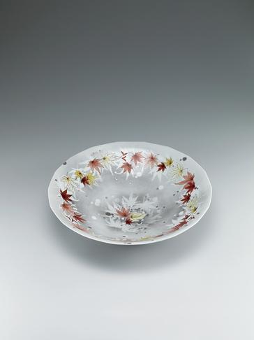 写真:色絵白金彩鉢「晩秋のこもれ日」