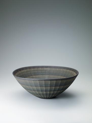 写真:炭化線象嵌鎬鉢