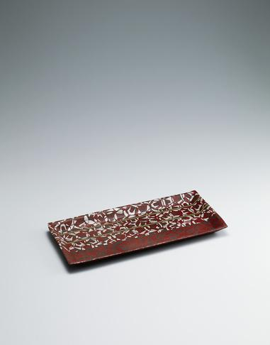 写真:椿紋長角鉢