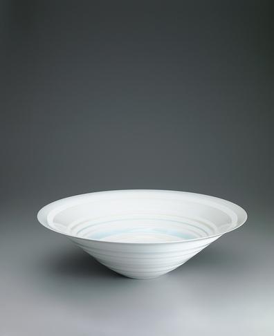 写真:青白磁鉢「line」