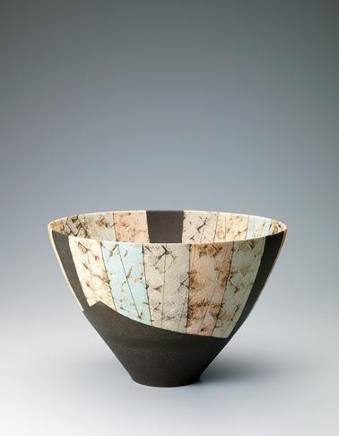 写真:彩泥瓷深鉢