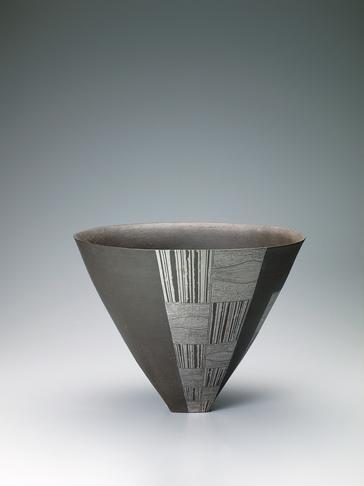 幾何文花器