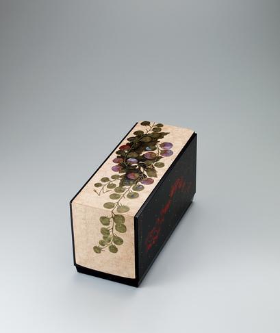 写真:木地蒔絵箱「夏の日」