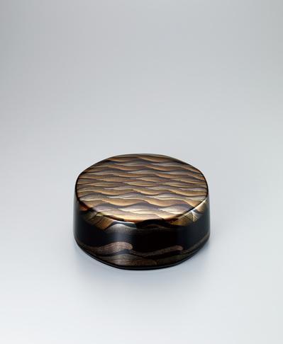 蒔絵八角箱「彩波」