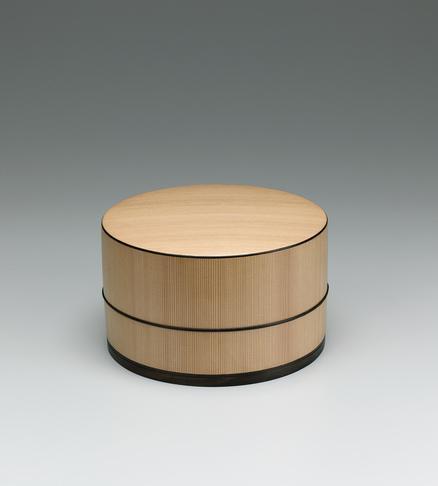写真:木地曲飾箱