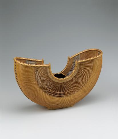 写真:舟形花籃「天つ風」