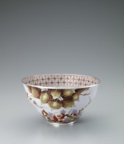 写真:有線七宝草花文飾鉢「雑草謳歌」