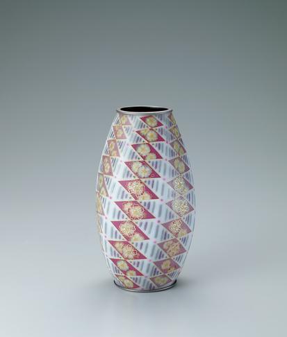 写真:有線七宝六面花瓶「春の光」