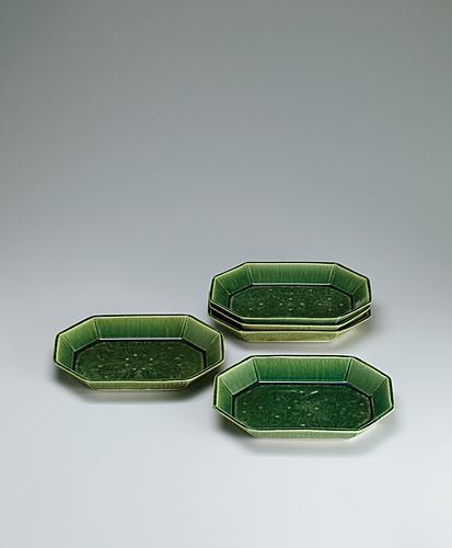 写真:緑釉組皿