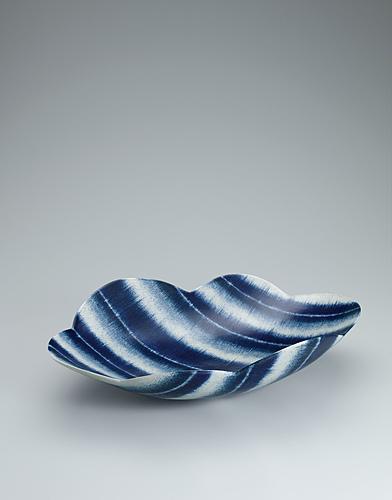 写真:呉須絵青文輪花鉢