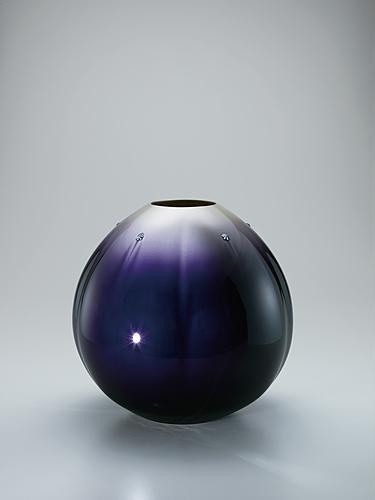 """写真:Jar with colored glaze decoration. """"Capped with snow"""""""