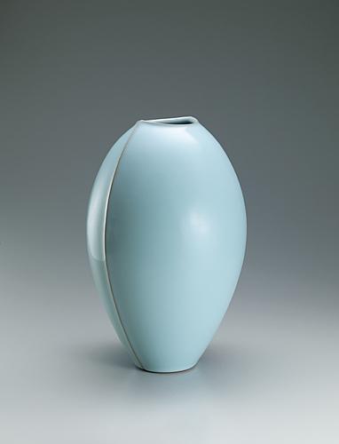 写真:青瓷壺