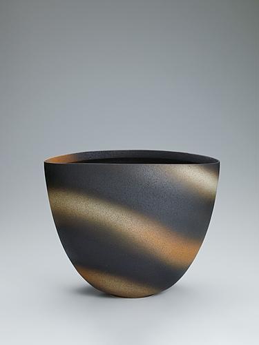 写真:釉層波文壺