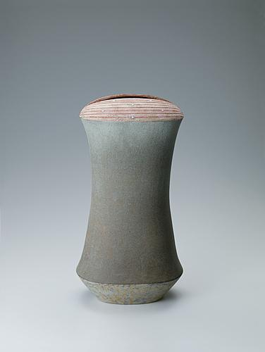 写真:粉泥古彩器「天平の華」