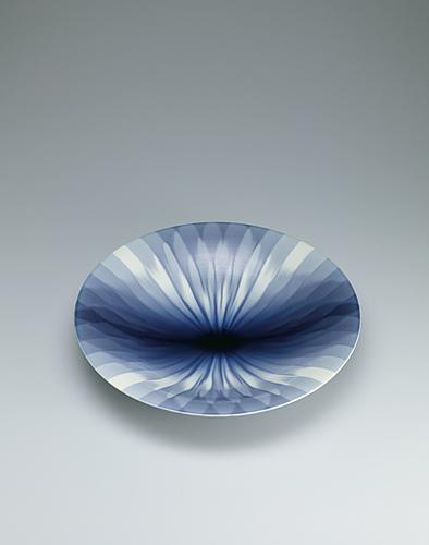 写真:彩釉鉢「藍華菱」