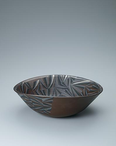 写真:プラチナ彩削り文鉢