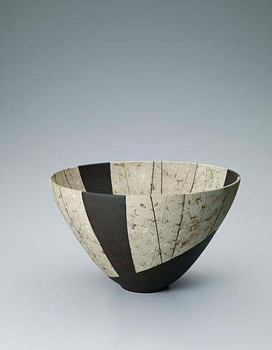 写真:白泥瓷深鉢