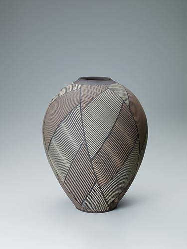 写真:和紙抜線紋壺