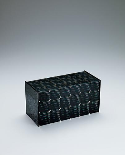 """写真:Box covered with gauze and urushi. """"Current"""""""