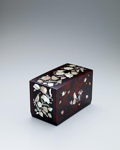 螺鈿花鳥文漆箱