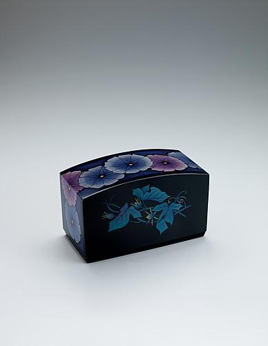 写真:乾漆蒟醬箱「行く夏に」
