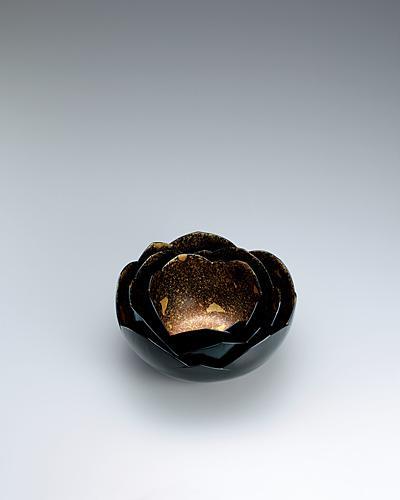 """写真:Set of kanshitsu bowls. """"Lotus flower beginning to open"""""""