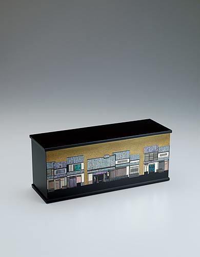 写真:彩切貝蒔絵箱「夏隣りの辻子」